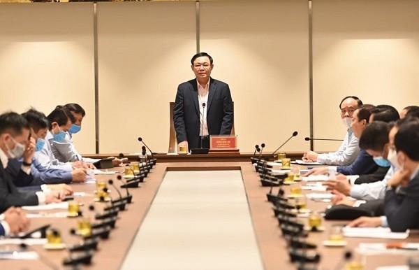 Bí thư Thành ủy Vương Đình Huệ chủ trì buổi làm việc sáng 24-3