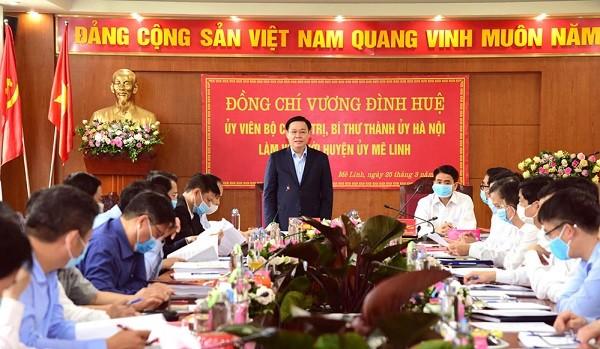 Bí thư Thành ủy Vương Đình Huệ làm việc với Huyện ủy Mê Linh