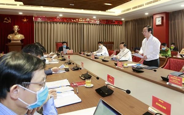 Các đại biểu thảo luận tại buổi làm việc
