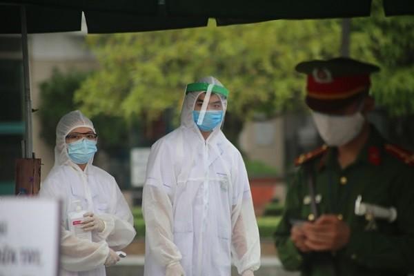 Công tác kiểm soát người ra, vào Bệnh viện Bạch Mai được siết chặt