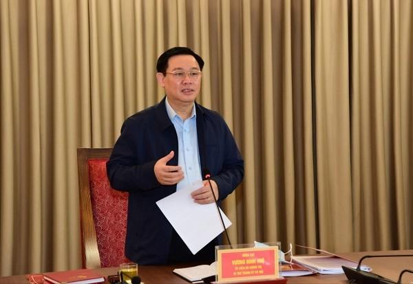 Bí thư Thành ủy Hà Nội Vương Đình Huệ nhất trí kéo dài cách ly xã hội đến 30-4