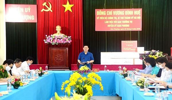 Bí thư Thành ủy Vương Đình Huệ làm việc với huyện Đan Phượng ngày 5-5 vừa qua
