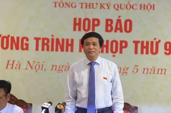 Tổng Thư ký Quốc hội Nguyễn Hạnh Phúc trả lời báo chí