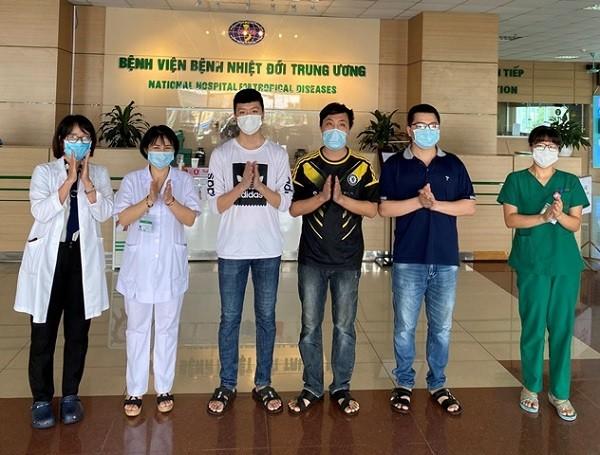 3 bệnh nhân Covid-19 được Bệnh viện Bệnh Nhiệt đới Trung ương công bố khỏi bệnh