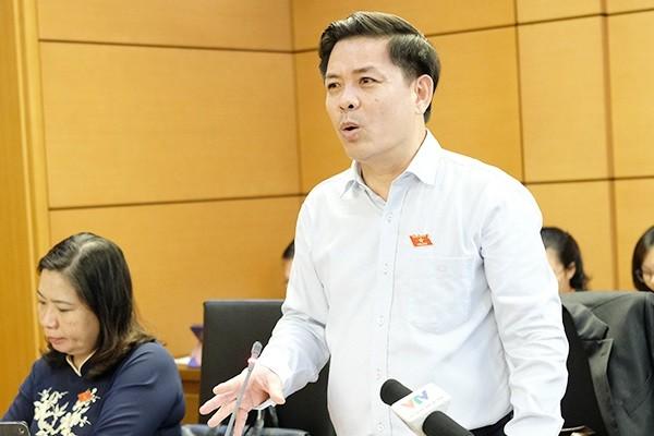Bộ trưởng Nguyễn Văn Thể phát biểu thảo luận tại tổ