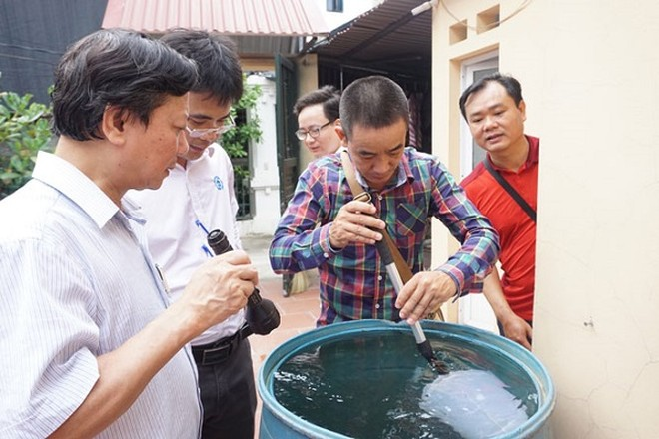 Đoàn công tác của Sở Y tế Hà Nội kiểm tra công tác phòng chống SXH tại Phúc Thọ
