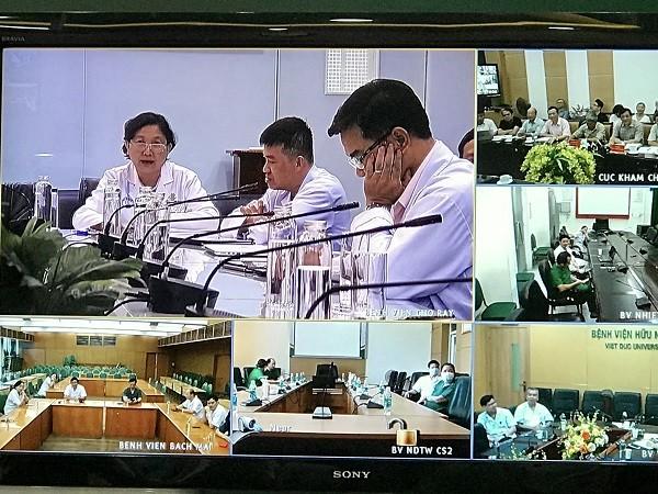 Đại diện Bệnh viện Chợ Rẫy báo cáo về tình hình bệnh nhân số 91 tại buổi hội chẩn trực tuyến