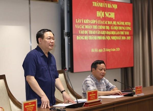 Bí thư Thành ủy Hà Nội Vương Đình Huệ tiếp thu ý kiến các đại biểu