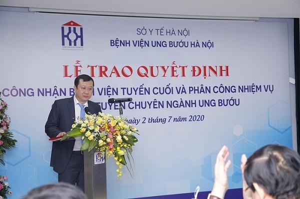 Giám đốc Bệnh viện Ung bướu Hà Nội Bùi Quang Vinh phát biểu tại buổi lễ