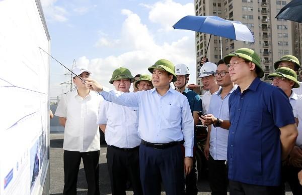 Bí thư Thành ủy và Chủ tịch UBND TP Hà Nội yêu cầu chủ đầu tư, đơn vị thi công các dự án phải triển khai đồng bộ các hạng mục kỹ thuật