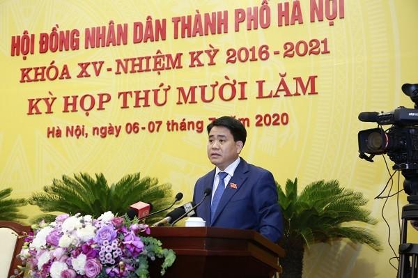 Chủ tịch UBND TP Hà Nội Nguyễn Đức Chung phát biểu tại kỳ họp HĐND TP