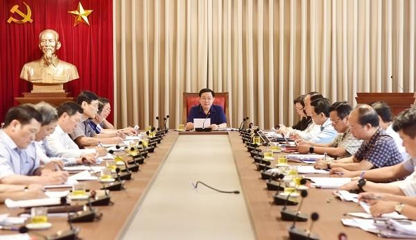 Bí thư Thành ủy Vương Đình Huệ chủ trì cuộc họp