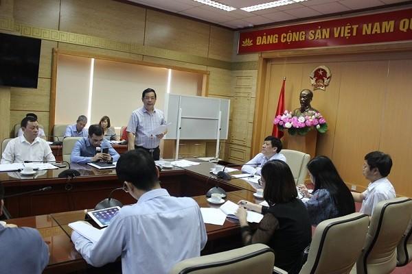 Cục trưởng Cục Quản lý Khám chữa bệnh Lương Ngọc Khuê báo cáo tại hội nghị