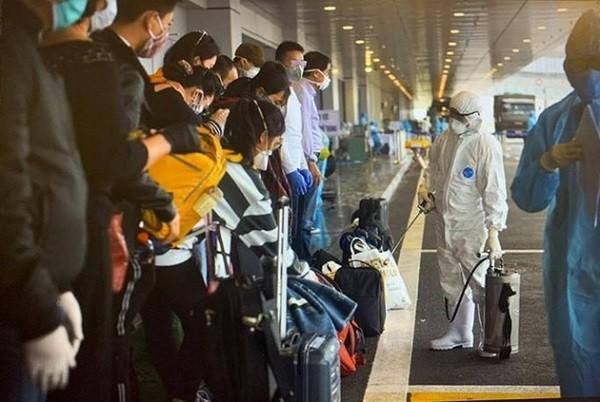 Liên tiếp phát hiện những hành khách nhập cảnh qua sân bay Vân Đồn mắc Covid-19