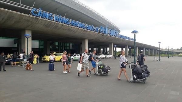 Hành khách quốc tế nhập cảnh tại sân bay Phú Quốc (Ảnh minh họa)