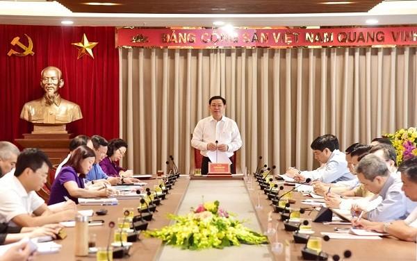 Bí thư Thành ủy Vương Đình Huệ chủ trì hội nghị