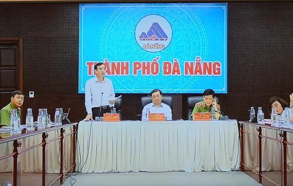 Lãnh đạo thành phố Đà Nẵng báo cáo tại cuộc họp