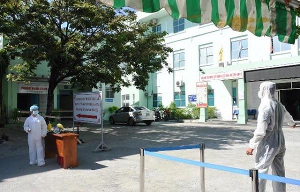 Đà Nẵng phong tỏa 3 bệnh viện, 4 tuyến đường và yêu cầu người dân ở tại nhà