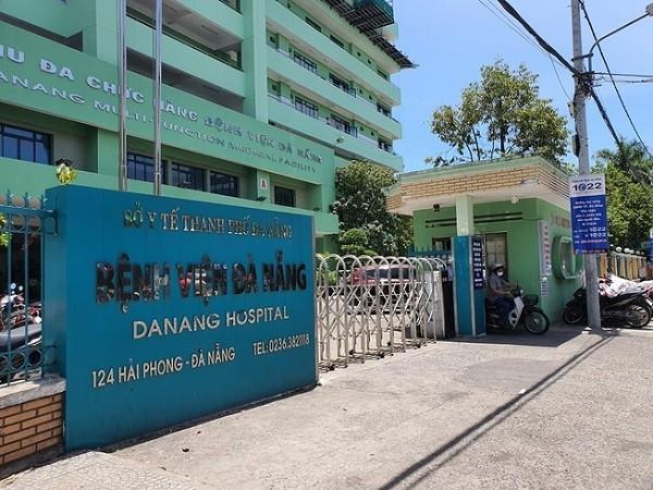 Bệnh viện Đà Nẵng đang điều trị cho 3 bệnh nhân Covid-19 rất nặng