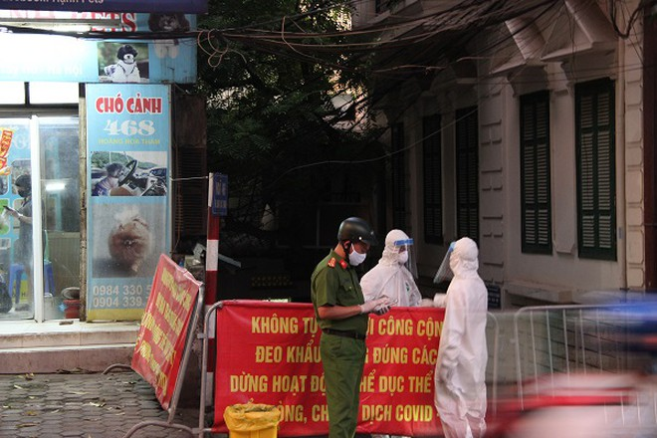 Hà Nội phong tỏa khu vực nhà bệnh nhân Covid-19 ở phố Hoàng Hoa Thám từ chiều 29-7