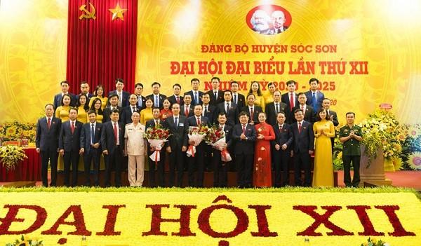 Ban Chấp hành Đảng bộ huyện Sóc Sơn nhiệm kỳ 2020-2025 ra mắt đại hội