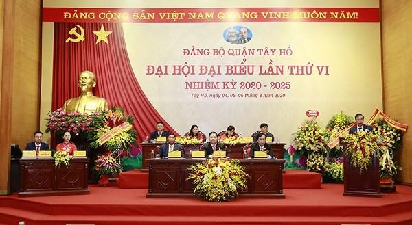 Quang cảnh đại hội đại biểu lần thứ VI Đảng bộ quận Tây Hồ