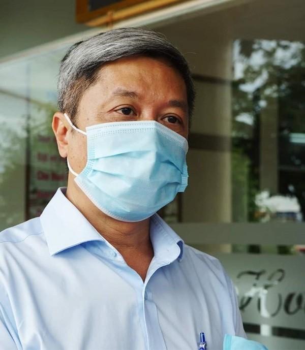 Thứ trưởng Bộ Y tế Nguyễn Trường Sơn trả lời báo chí tại Đà Nẵng
