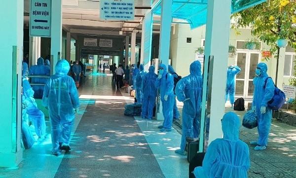 Nhiều đoàn y bác sĩ, chuyên gia dịch tễ từ trung ương và nhiều tỉnh thành phố được chi viện cho Đà Nẵng