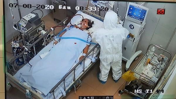 Điều trị một bệnh nhân Covid-19 rất nặng tại Đà Nẵng
