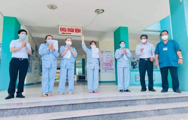 4 bệnh nhân Covid-19 đầu tiên tại Đà Nẵng được công bố khỏi bệnh