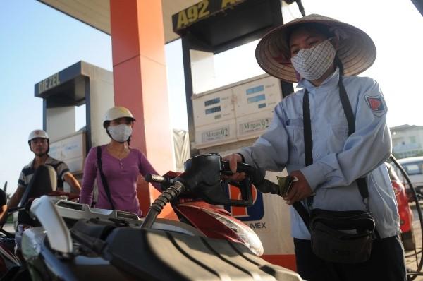 Bộ Công Thương yêu cầu giữ ổn định giá bán xăng dầu dịp Tết ảnh 1