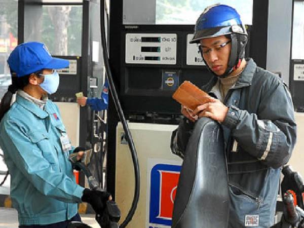 Giá bán lẻ xăng dầu tiếp tục giữ ổn định