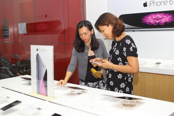 FPT Shop trưng bày sản phẩm theo đúng chuẩn cao cấp nhất của Apple