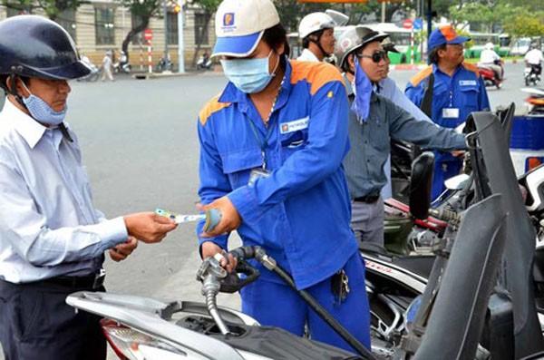 Giá xăng dầu tiếp tục giảm
