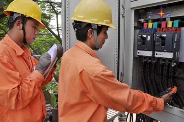 EVN HANOI đẩy mạnh công tác dịch vụ khách hàng ảnh 1