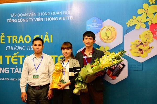 Viettel trao thưởng cho khách hàng