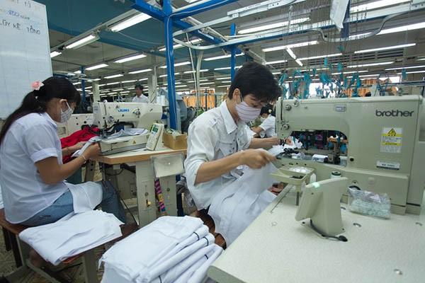 Các doanh nghiệp dệt may đang đối mặt với nhiều khó khăn