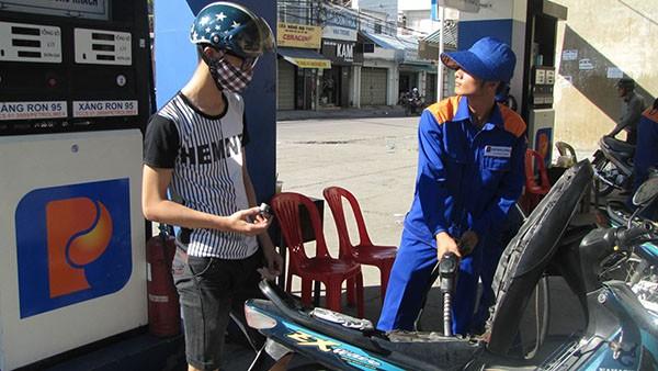 Xăng dầu trở lại đà tăng giá
