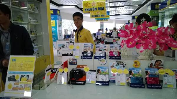Tháng khuyến mãi Hà Nội thu hút đông đảo người dân
