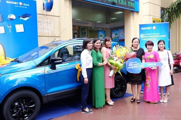 Bảo Việt tri ân khách hàng, tặng xe sang