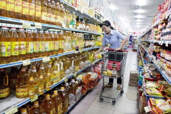 Không nên can thiệp quá sâu vào quyền kinh doanh của siêu thị, trung tâm thương mại