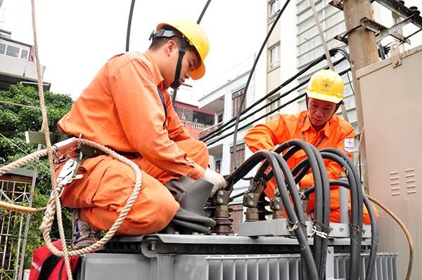EVNHANOI cung cấp điện ổn định, đầy đủ và đẩy mạnh công tác chăm sóc khách hàng