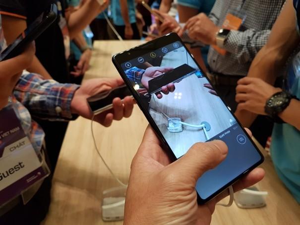 Bphone 3 sử dụng Camera A, có thể chụp ảnh ban đêm