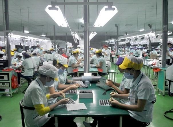 Tăng trưởng kinh tế của Việt Nam vẫn khả quan trong khi kinh tế thế giới diễn biến phức tạp