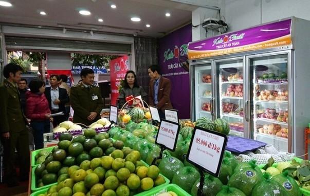 Hệ thống cửa hàng trái cây an toàn đáp ứng được nhu cầu của người dân Thủ đô