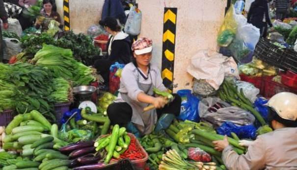 Các hàng rau xanh, thực phẩm đắt hàng sau Tết