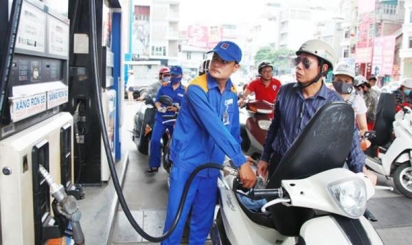 Giá xăng dầu tiếp tục tăng đến hơn 1.200 đồng/lít