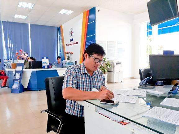 Thanh toán tiền điện qua ngân hàng tạo thuận lợi cho khách hàng