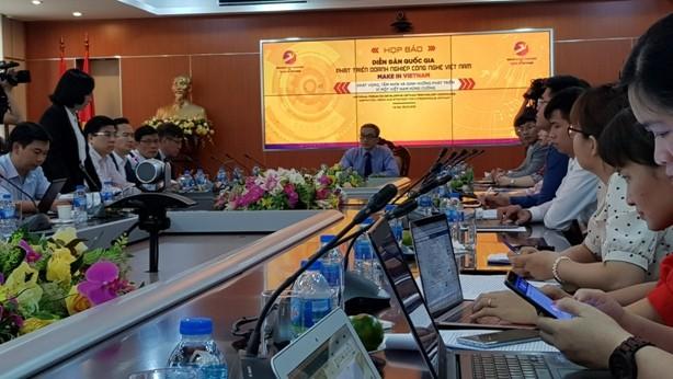 Thứ trưởng Bộ TT-TT Phan Tâm chủ trì họp báo Diễn đàn quốc gia Phát triển doanh nghiệp công nghệ Việt Nam