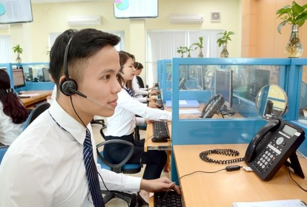 Cuộc gọi đến tổng đài tăng vọt, khiến khách hàng khó gọi để thắc mắc về hóa đơn điện
